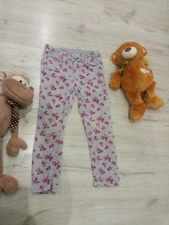 Вельветовые джинсы на девочку 4-6 лет