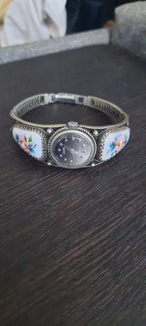 Винтажные, женские часы Заря Советские!, срочно