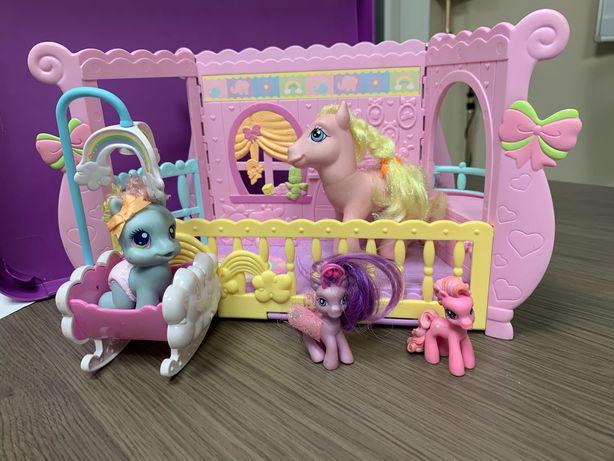 Hasbro Little pony zestaw kucyków - Pokoik małej Rainbow Dash