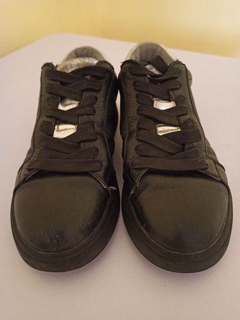 Кроссовки кеды туфли мокасины ботинки