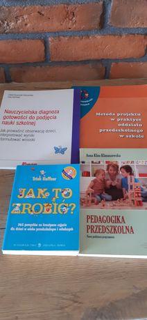 Zestaw 4 książek przydatnych w pracy w przedszkolu.