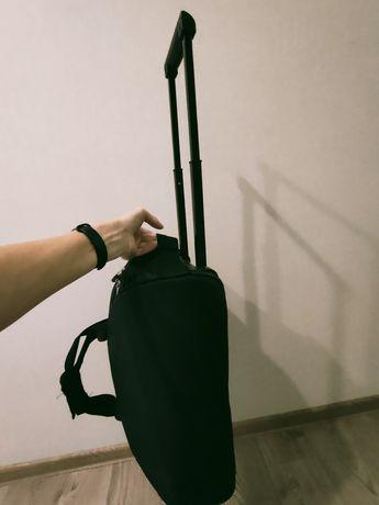 Сумка на колесиках черная небольшая 50х25х25 ручная кладь чемодан