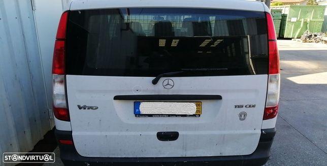 Tampa Da Mala Mercedes-Benz Vito / Mixto Caixa (W639)
