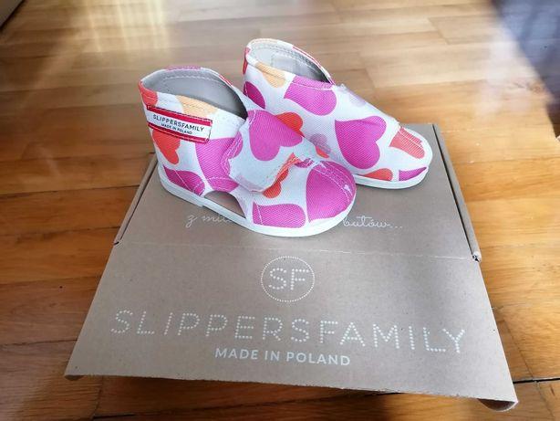 Kapcie Slippers nowe