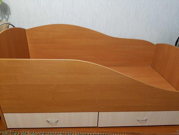 Односпальне ліжко з матрацом