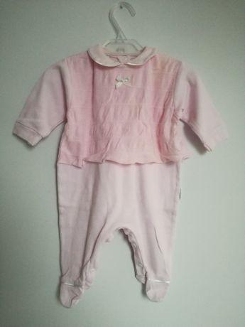 Pajacyk różowy 68 cm z kokardką kombinezon Dany Baby koronka
