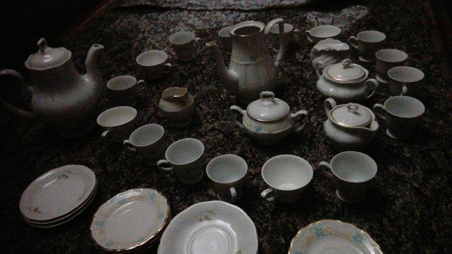 Dwa zestawy porcelany