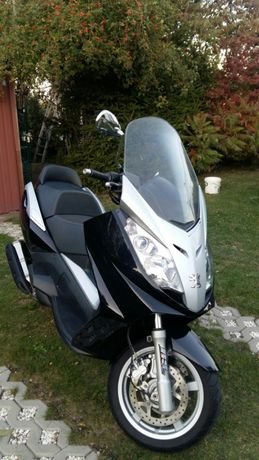 Skuter, Peugeot Satelis 400 RS- skuter motocykl