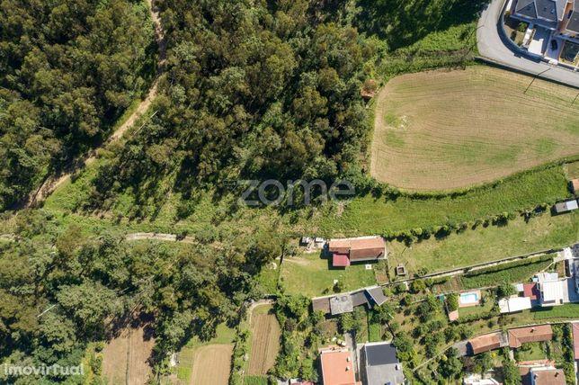 Terreno urbano em Caldas de São Jorge - Área de 3.462 m2