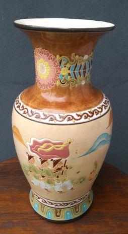 Chiński wazon 53 cm wysokości.