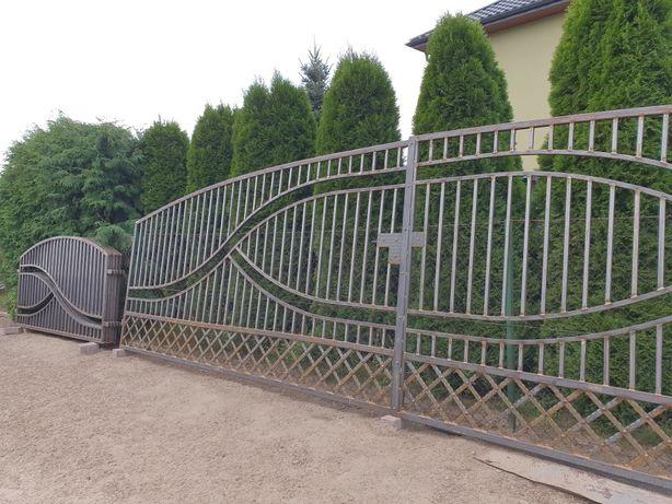 Brama bramka przęsło ogrodzenie balustrada