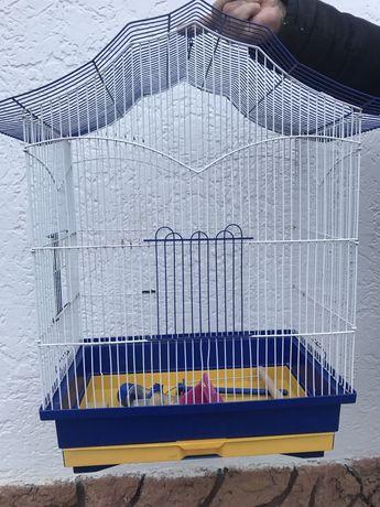 Продам клетку для средних попугаев!