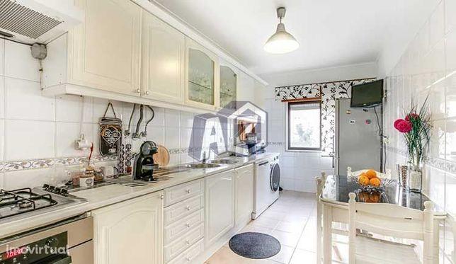 Apartamento T2 (3 assoalhadas) renovado para arrendar sem mobília -...