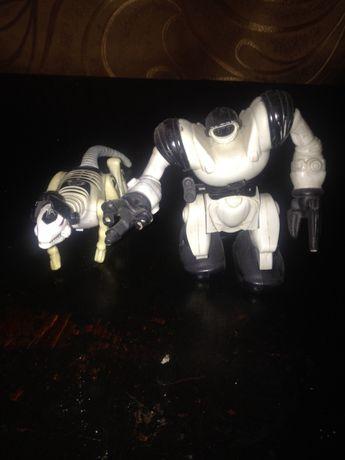 Продам два роботы