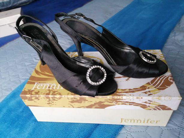 Buty czarne raz założone