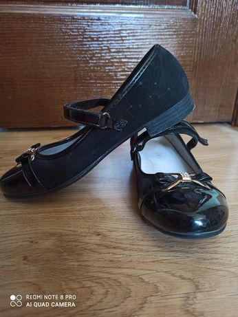 Продам туфли на девочку 36 размер
