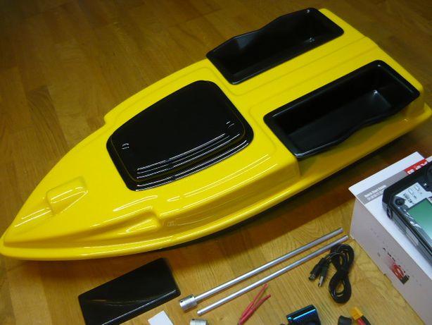 Кораблик CAMRAD 800 для завоза прикормки снастей рыбалки карповый GPS