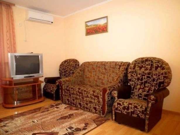 Сдам долгосрочно или посуточно квартиру в центре Миргорода-1