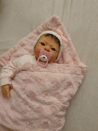 Lalka Emmi jak żywa, realistyczne dziecko  lalka reborn bobas
