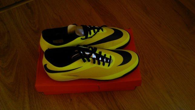 Buty Nike Hypervenom Tf turfy 44,5 Nowe!!!