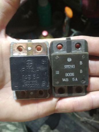 Продам регулятор напряжения Я112А