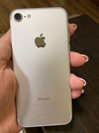 Продам iPhone 7 на 32gb. Состояние отличное! Продам Айфон.