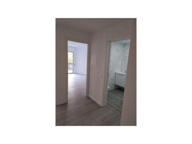 Apartamento T2 totalmente remodelado - Monte da Caparica