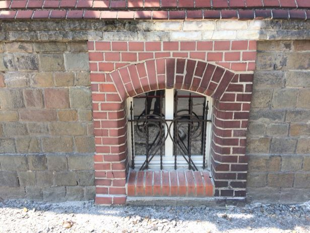 Piaskowanie i Sodowanie cegły klinkieru piaskowca elewacji ceglanej
