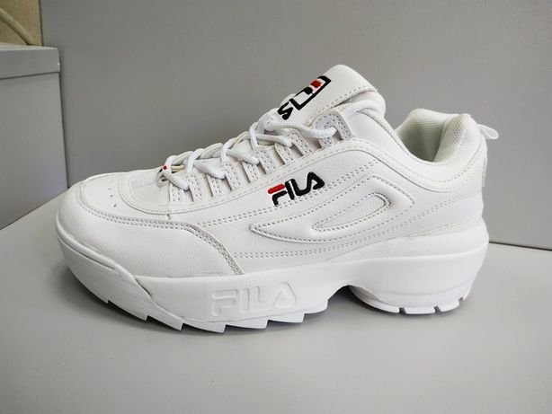 Кроссовки женские Fila Disruptor, белые, купить со скидкой