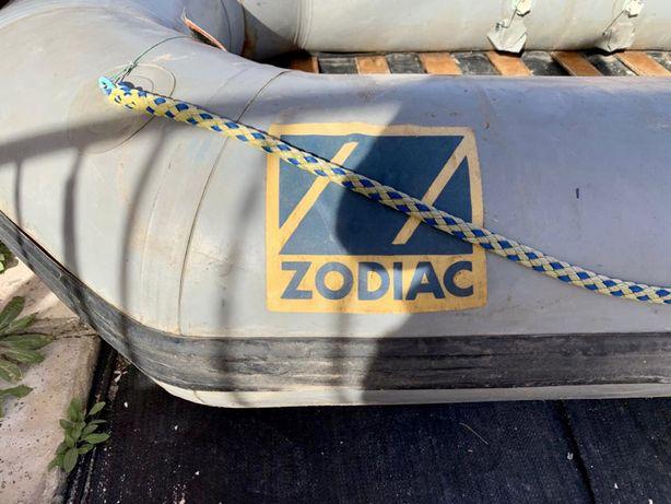 Barco insuflavel Zodiac   4 Pessoas com suporte de motor