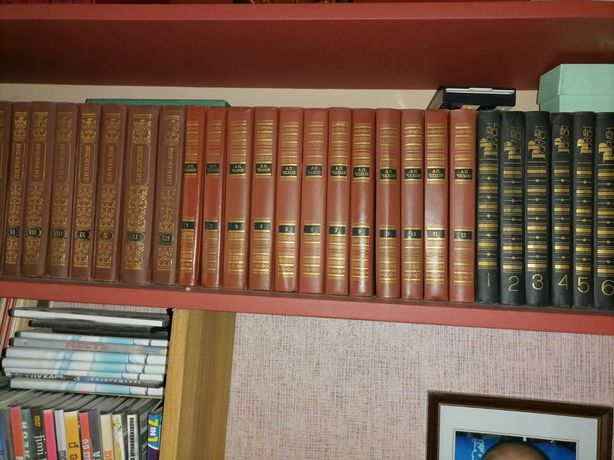 Продам книги собрания сочинений.