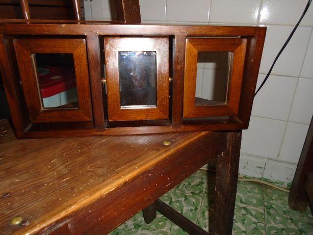 porta fotografias vintage em madeira e vidro