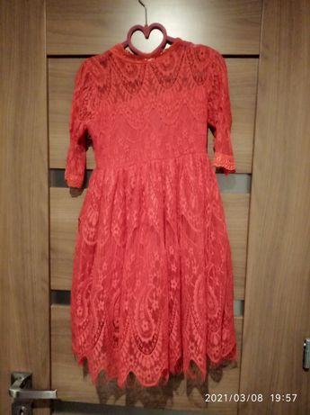 Koronkowa czerwona sukienka rozmiar 120
