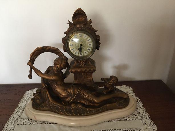 Relógio grande em mármore e bronze