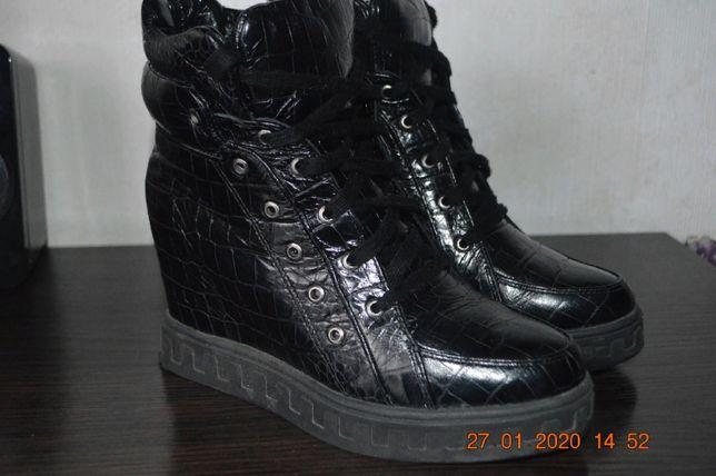 ботинки деми кожа 37р(23.5-24)