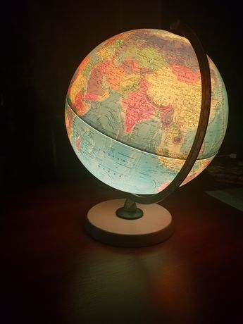 Глобус з підсвіткою