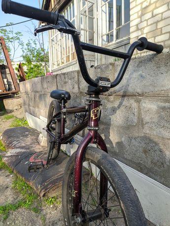 Продам велосипед типа Bmx Gt