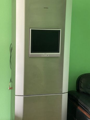 Продам холодильник SIMENS ,с встроенным телевизором
