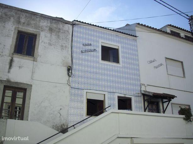 Moradia T2 + sótão - 1,5Km da praia com terraço e garagem!