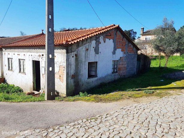 Moradia para recuperar em Vila Nova de Poiares - Coimbra