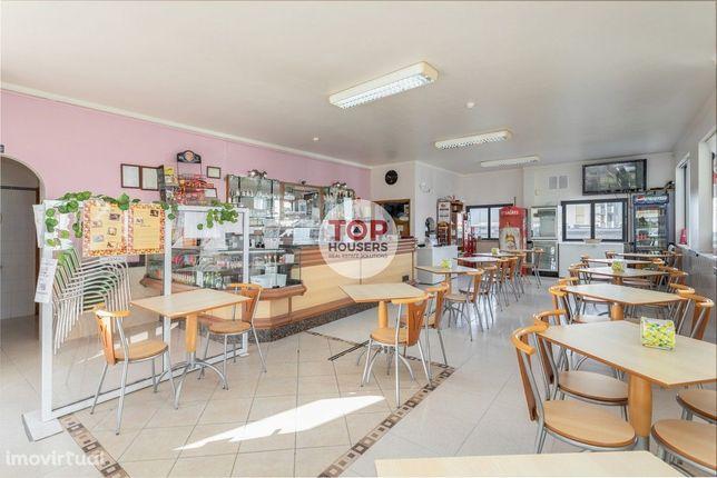 Café / Snack-bar totalmente equipado para venda em Faro