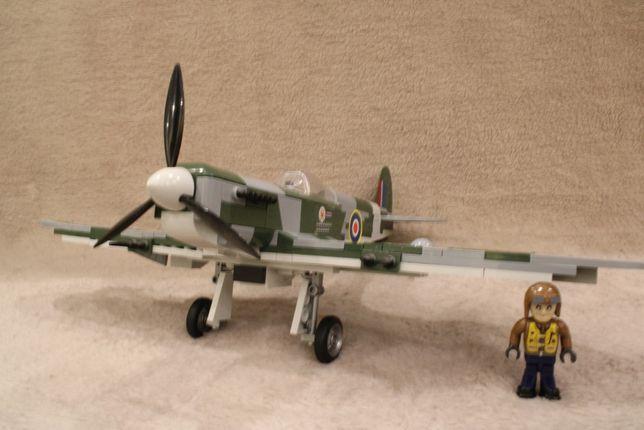Supermarine Spitfire Mk.Vb 5512 Klocki Cobi