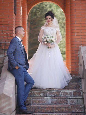 Чарівна весільна сукня