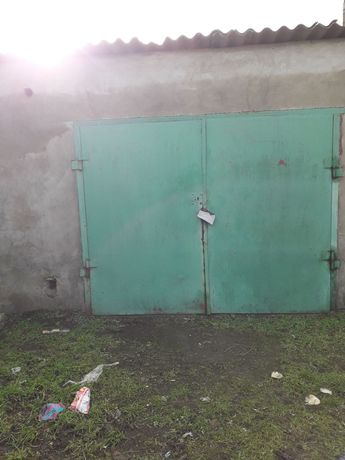 Продаю капитальный гараж с ямой в начале Терновки( Северного) .