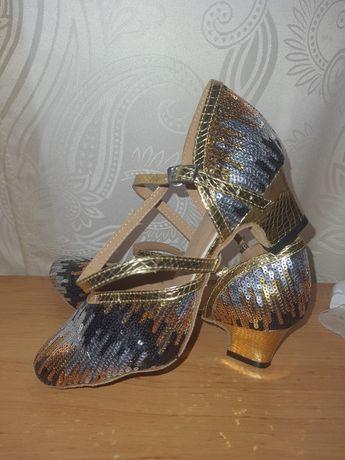 Туфли для танцев 36 р(24 см максимально)