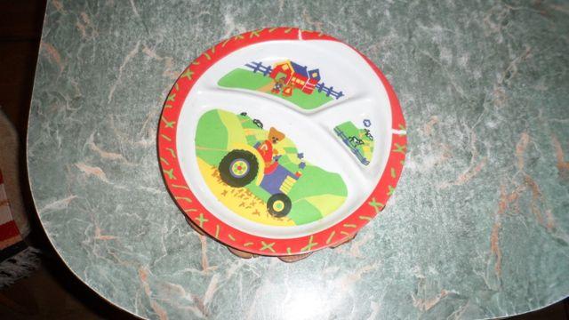 Тарелочка детская порционная из пищевой пластмассы .