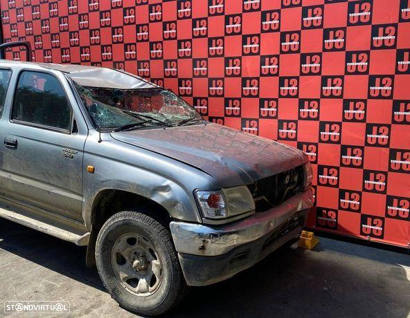 Viatura para PEÇAS Toyota Hilux 2.5 D4D 02-05
