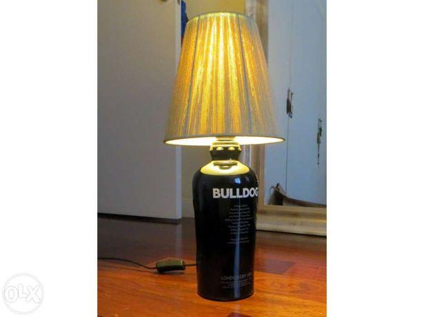 Bulldog Candeeiro de mesa - artesanato