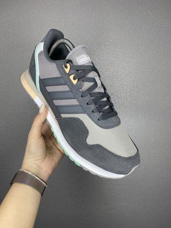 Adidas кроссовки оригинал 44 размер новые