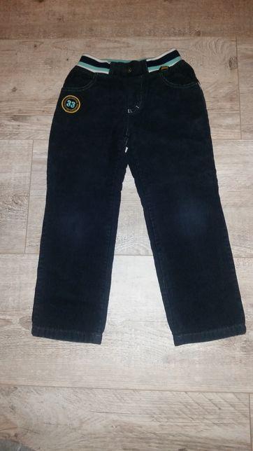 Spodnie sztruksy rozmiar 122